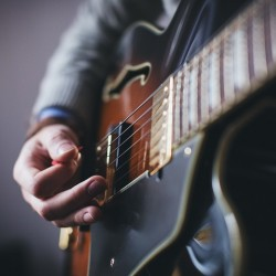 ギターもサブスク