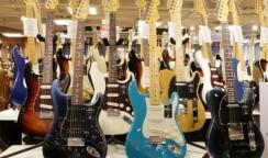 娘のギターを買うことに・・③名古屋栄の石橋楽器へ